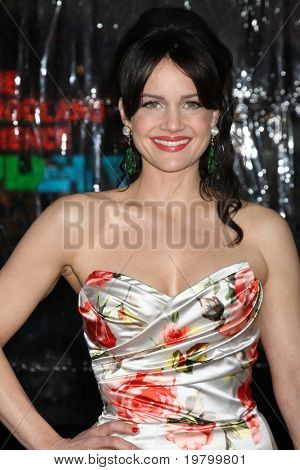 LOS ANGELES - MAR 23:  Carla Gugino arrives at the