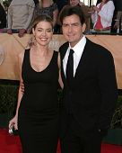 LOS ANGELES - 5 de FEB: Denise Richards, Charlie Sheen llega a premios del gremio del Actor de pantalla 11