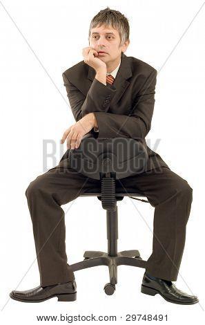 Empresario pensativo, aislado sobre fondo blanco