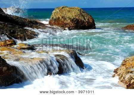 Agnes Water Waves On The Rox