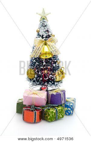 Árbol de Navidad para una casa de la muñeca
