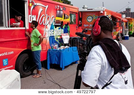 Cameraman Shoots Reporter Interviewing Food Truck Employee In Atlanta