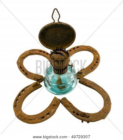 Retro Kerosene Lamp  Clover Rusty Horse Shoe White