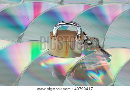 Data Security (cd With Lock And Keys)