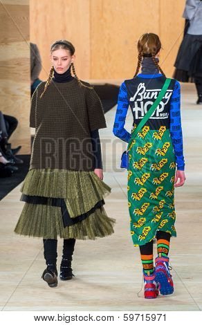 NEW YORK-FEB 13: Models walk the runway at the Marc Jacobs fashion show during Mercedes-Benz Fashion Week Fall 2014 at Lexington Avenue Armory on February 13, 2014 in New York City.
