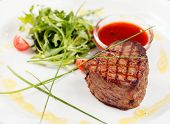 picture of iceberg lettuce  - Grilled steak with sauce - JPG