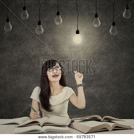 Female Student Getting Bright Inspiration 3