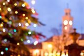 pic of manor  - a unfocused christmas background with colored lights