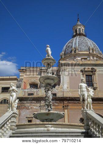 Palermo - Florentine fountain on Piazza Pretoria in morning