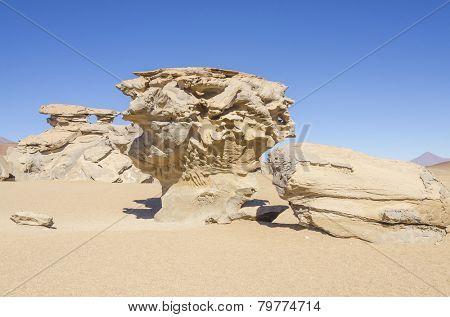 Bolivia, Antiplano, Los Lipez - desert and rock formations - Arbol de Piedra