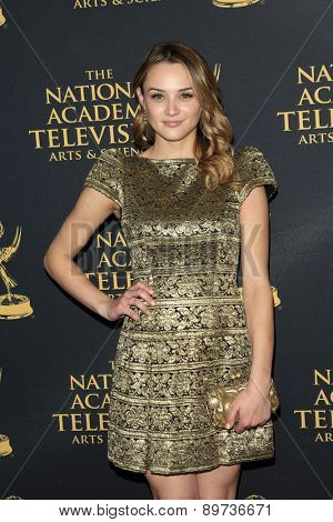 LOS ANGELES - APR 24: Hunter King at The 42nd Daytime Creative Arts Emmy Awards Gala at the Universal Hilton Hotel on April 24, 2015 in Los Angeles, California
