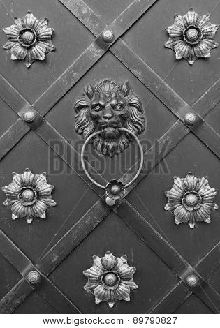 Lion Doorknocker With Ring