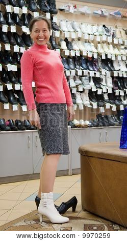 Woman   At Shoes Shop