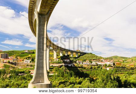 bridge over the river Douro valley, Peso da Regua, Portugal