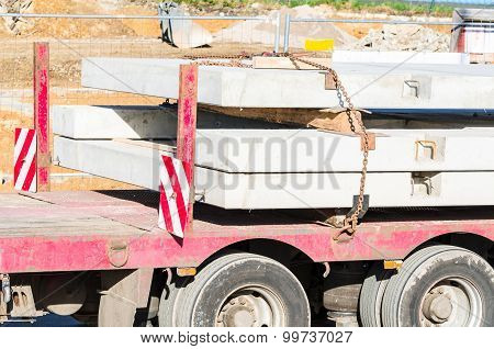 Tractor-trailer With Landing