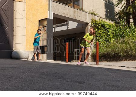 Children ring the bell and run away