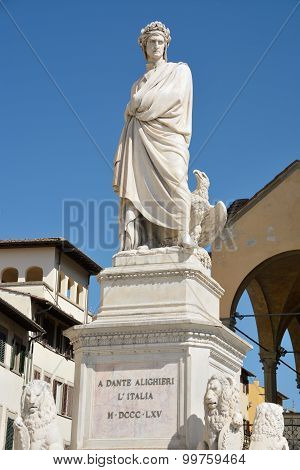 Dante's statue in Florence