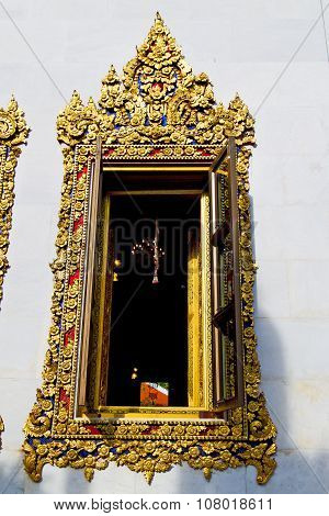 Window     Gold     Thailand Incision Of