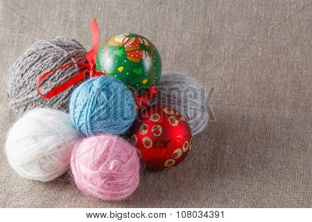 Colored Clew With Christmas Balls
