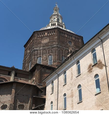 Pavia (italy): Palaces And Cathedral