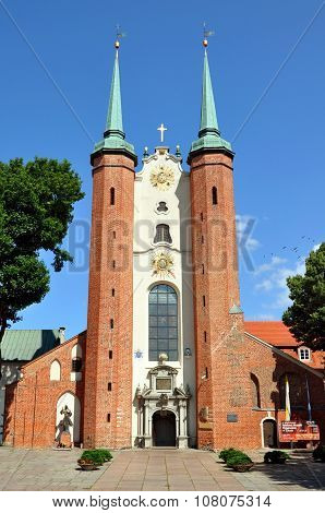 Gdansk Oliwa Archcathedral. Front view