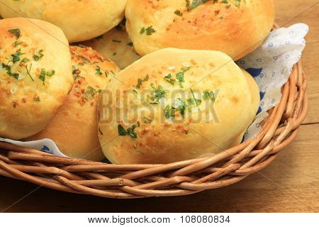 Golden Buns With Spices