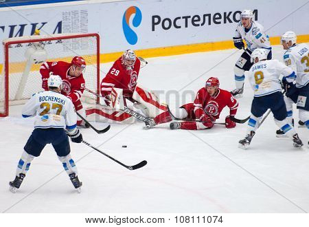 D, Berdyukov (84) Defend The Gate