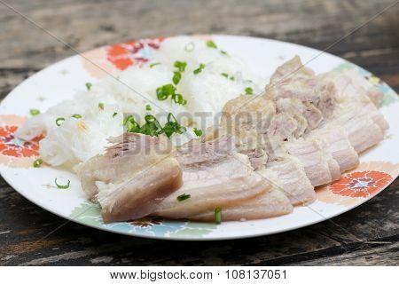 Banh Hoi Thit Quay, Vietnamese Boil Pork With Vermicelli