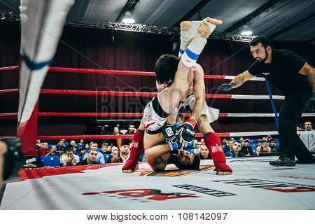 MMA fighters spend in ring match