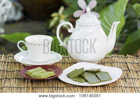 Product Matcha Green Tea Chocolate With Tea Pot