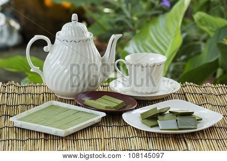Matcha Green Tea Chocolate With Tea Pot