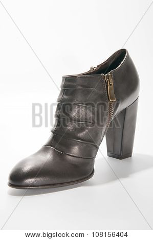Women's Leather Ankle Boots With High Heels..