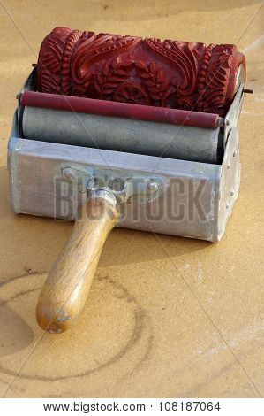 paint roller decorative tools old