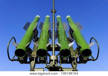 Ballistic missile launcher