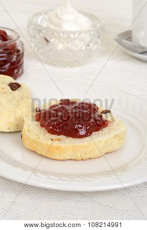 english scone with jam