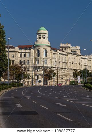 Franz-josefs-kai Road In Vienna And Buildings