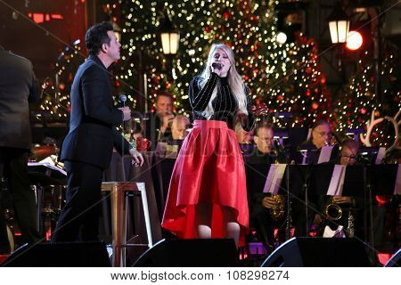 LOS ANGELES - NOV 14:  Seth MacFarlane, Meghan Trainor at the The Grove Christmas with Seth MacFarlane 2015 at the The Grove on November 14, 2015 in Los Angeles, CA