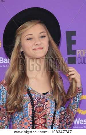 LOS ANGELES - NOV 15:  Lizzy Greene at the Express Yourself 2015 presented by P.S. ARTS at the Barker Hanger on November 15, 2015 in Santa Monica, CA