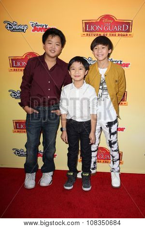 LOS ANGELES - NOV 14:  Hudson Yang, Forrest Wheeler, Ian Chen at the