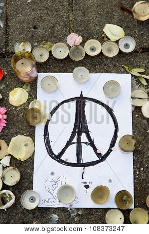 Peace for Paris, Pray for Paris sign