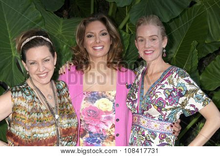 LOS ANGELES - NOV 14:  Joely Fisher, Alex Meneses, Penople Ann Miller at the Private Shopping Event at the Naked Princess on November 14, 2015 in Los Angeles, CA