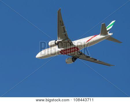 Passenger Boeing 777, Emirates