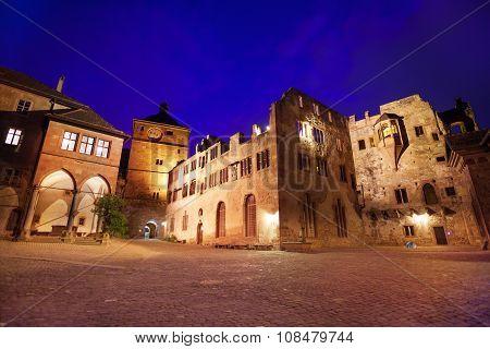 Inner square of Schloss Heidelberg during night