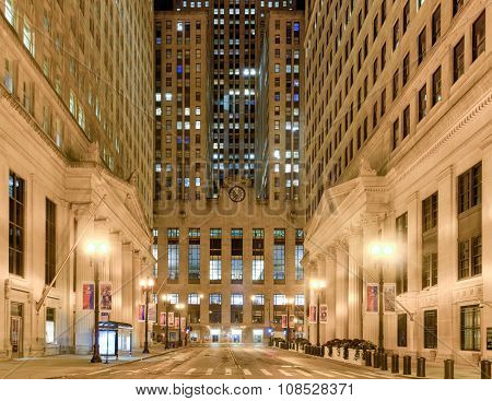 Chicago Board Of Trade Building At Night