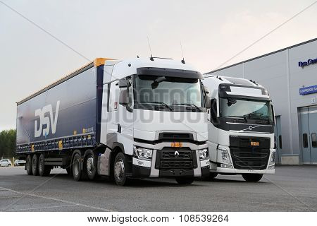 Renault Trucks T And Volvo FH Semi  On Demo Drive Event