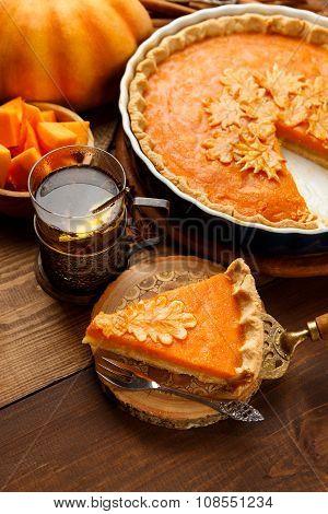 Traditional american homemade pumpkin pie