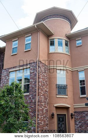 Curved Stucco In Condos