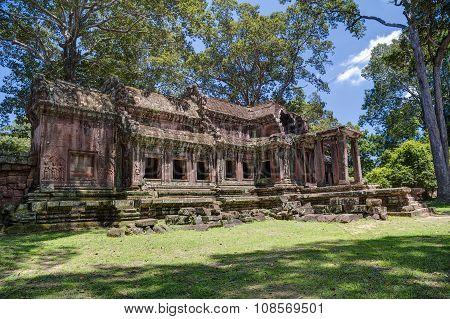 Ta Kou Entrance Of The Angkor Wat  Complex