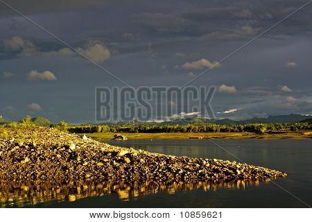 The mound on lakeside
