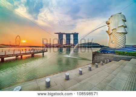 SINGAPORE MERLION ON SUNRISE